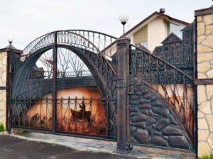 Стильные ворота для частного дома