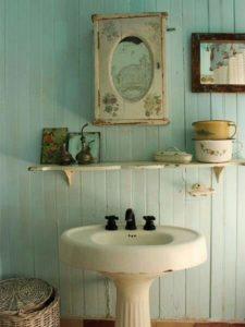 Стиль романтик для полки в ванную
