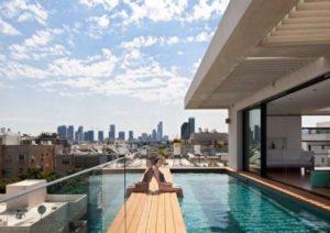 Бассейн на балконе