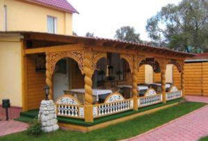 Дизайн веранды из колонн
