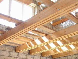 Монтаж деревянных балок
