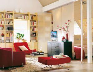 Дизайн комнаты с красной мебелью