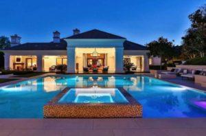 Дом с бассейном за 1 миллион