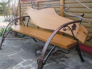 Скамейка. Дерево и металл