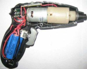 Устройство аккумуляторной отвертки