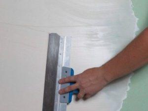 Чем шкурить стены под поклейку обоев