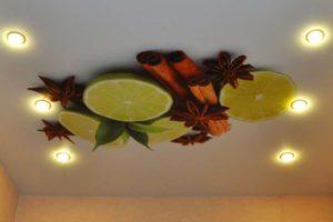 Потолок с рисунком фруктов