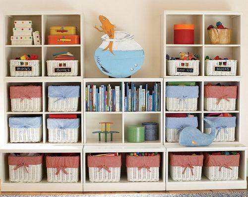 шкаф для игрушек в детской комнате