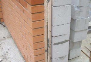 Стены из кирпича и из пенобетона