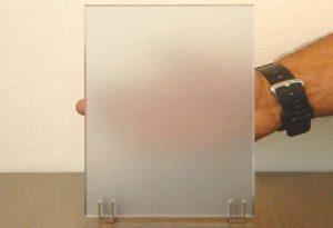 Как выглядит матовое стекло