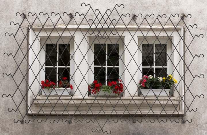 Одна решетка на 3 окна