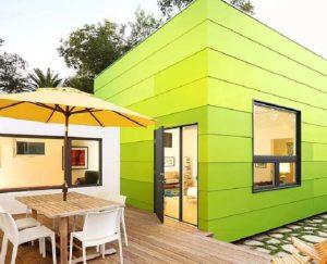 Панель для отделки фасадов одноэтажных домов