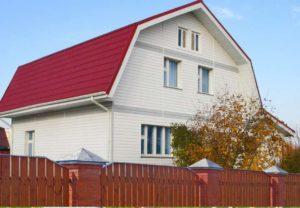 Красная крыша белые стены