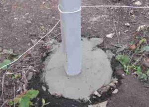 Столб в бетоне