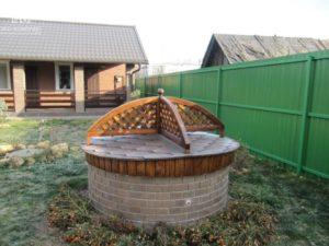 Декор круглого колодца