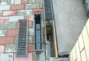 Лоток ливневой канализации