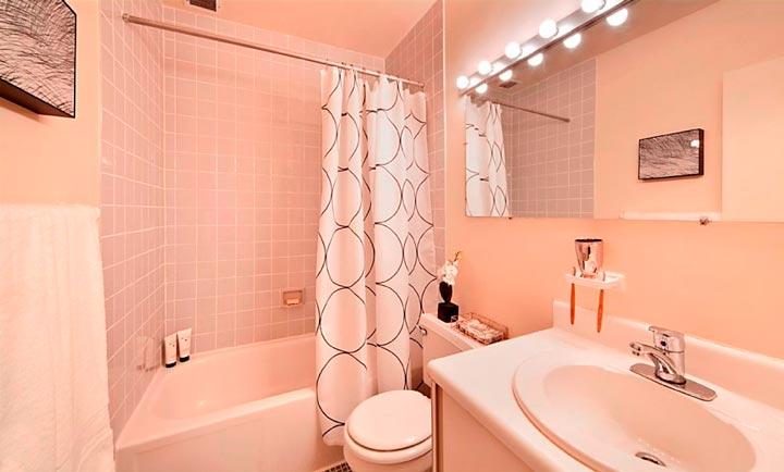 Подбор акриловой краски для интерьера ванной комнаты