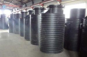 Конструкция черного из пластика для канализации
