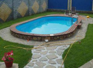 Овальный бассейн