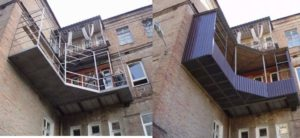 2 фото обустройства балкона