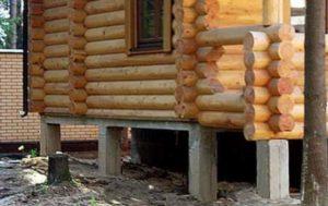 Какой выбрать фундамент под сруб дома.