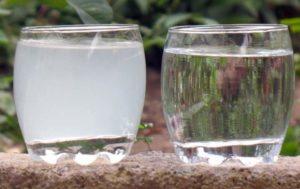 Стакан чистой и мутной воды