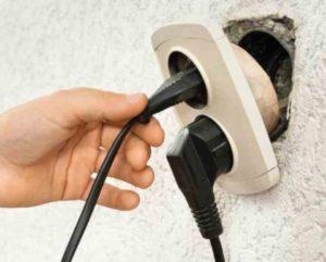 Многие люди не могут себе позволить сделать дорогой ремонт