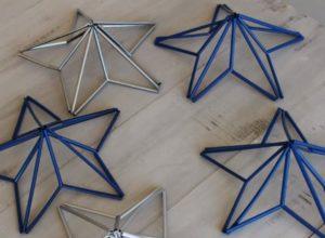 Такая звезда, сделанная из пластиковой трубки