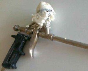 несколько вариантов, которые помогут удалить герметик из пистолета