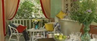 Визитной карточкой прованса являются ножки стульев со следами облупившейся краски