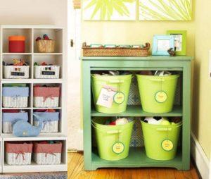 Хранение игрушек в детской комнате прекрасно обустроено