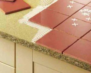 Столешница для кухни из плитки, фото-примеры которой иногда поражают