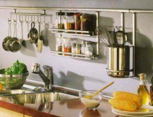 Что делает кухню тесной и узкой + как от этого избавиться