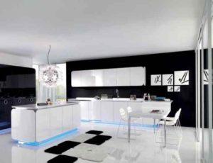 Варианты дизайна белой кухни, за которыми не нужен уход