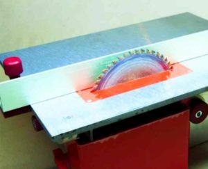 Круги для распиливания на циркулярные станки выпускаются с диаметром от 14 до 30 см.
