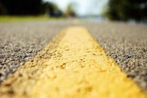 За счет разметки водитель сможет намного лучше ориентироваться на дороге ночью и днем.