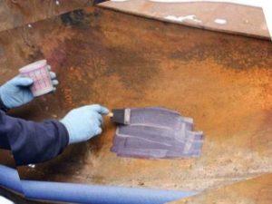 Нанесение на коррозию и ржавчину, глубина которой не больше, чем 100 мкм.