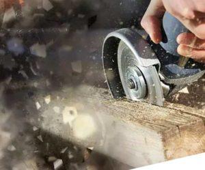 Как правильно работать болгаркой по древесине?