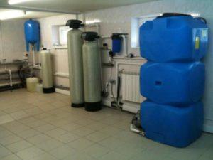 Устройство для водной подачи в систему (насосная станция или насос).