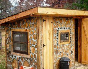 Экономия на утеплении. Постройка со стенами с толщиной 0.7 метров не потребуются теплоизоляционные мероприятия.