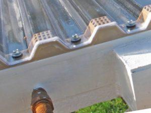 Волнистый поликарбонат для крыши – габариты и фото