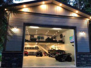 Возможность оборудования в гараже кладовой или мастерскую.