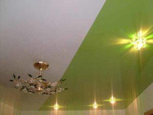 Натяжной потолок со швом + фото