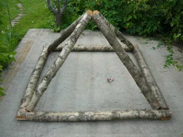Выстроить пирамиду собственноручно можно из чего угодно