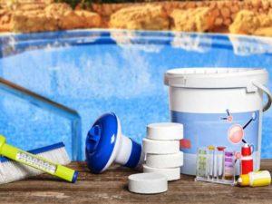 Уход за бассейном на даче (химия и народные средства)