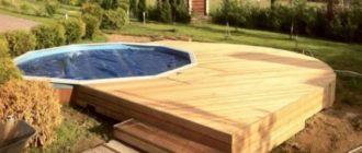 Для создания применяют лишь деревянные и металлические опоры, без кирпичей, пластика и бетона.