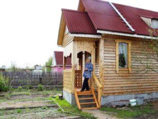 Девушка сама построила маленький дом – секреты строительства в одиночку