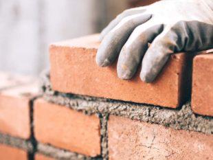 Как португальская бабушка строит кирпичный дом своими руками: пошаговая инструкция