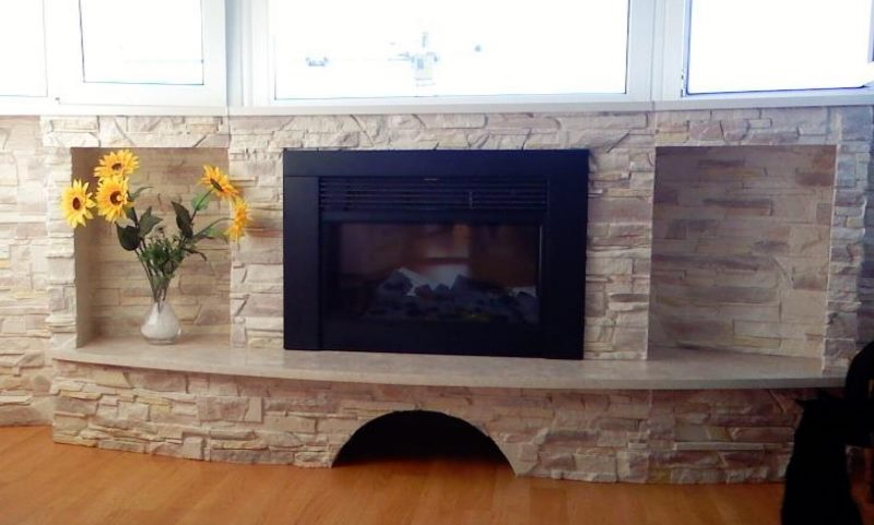 Фальшивый камин – не просто элемент декора, но и прибор для обогревания, который приносит тепло и добавляет дому уюта.