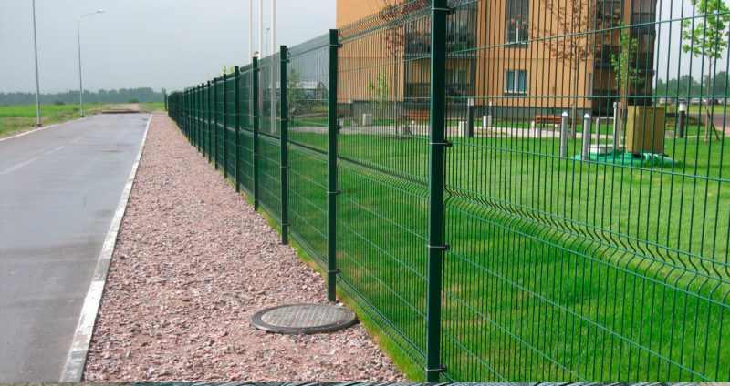 Секционная ограда с сеткой-рабицей